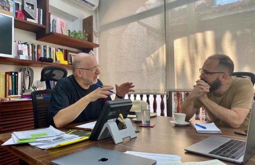 Daniel Samper Pizano y Ernesto Picco, miembros del jurado de la Beca Michael Jacobs de crónica viajera 2020.